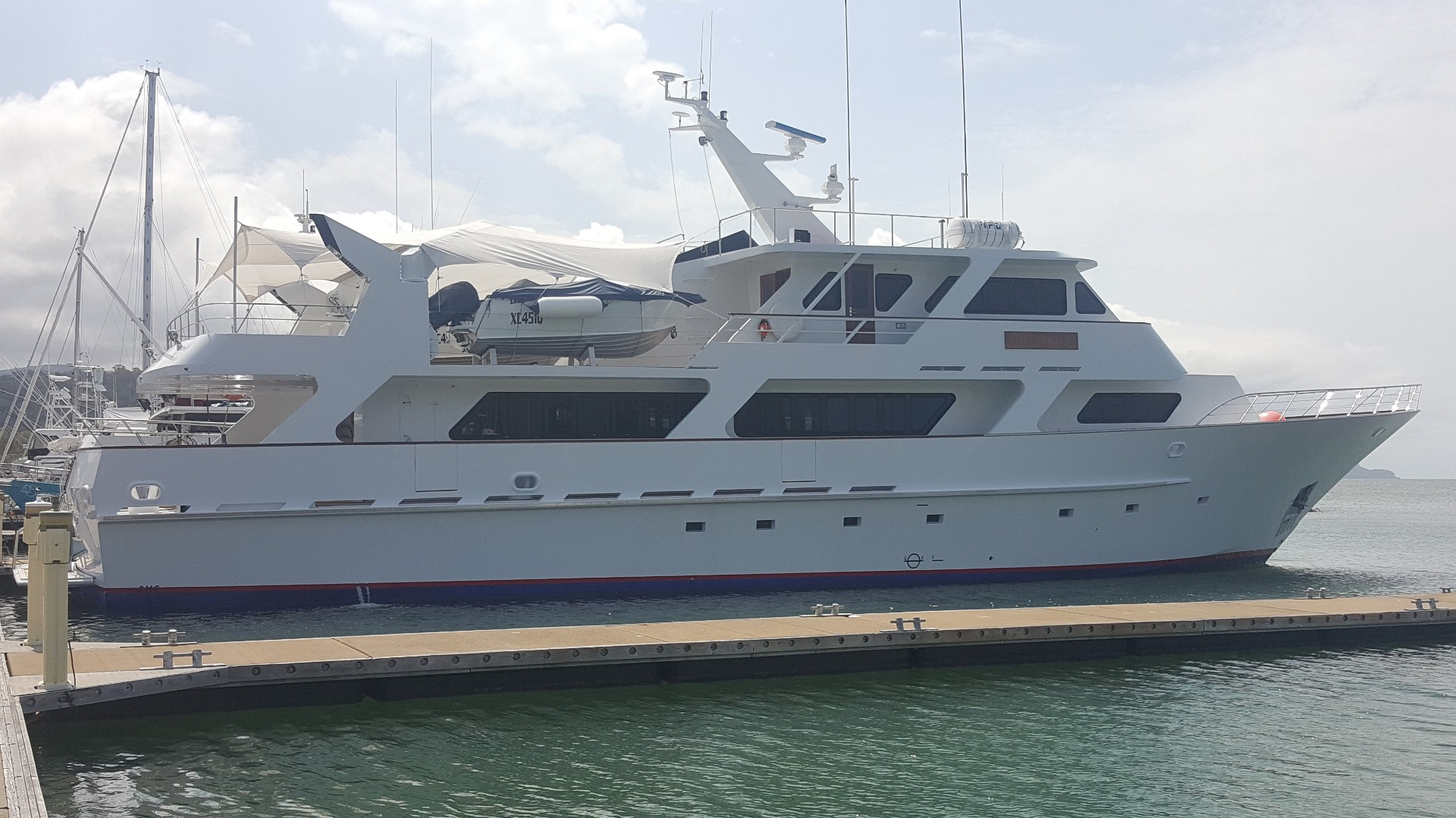 MV Mustique_Motor mount swap out